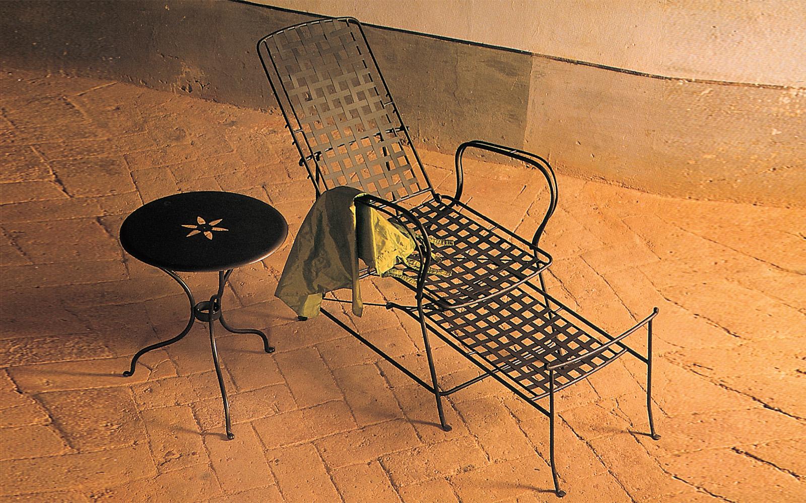 Chaise longue da esterno letti in ferro battuto caporali - Chaise longue da esterno ...