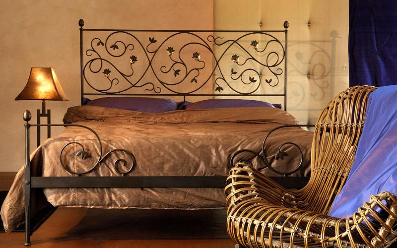 Letto moderno ferro design letti in ferro battuto for Letto ferro battuto moderno