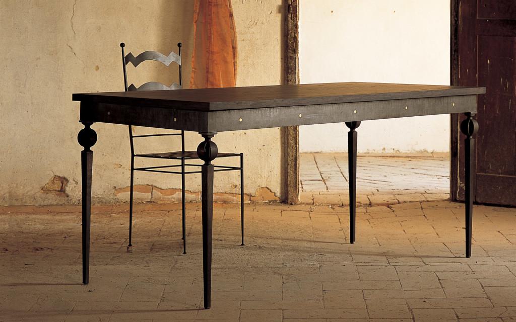Tavolo in ferro e legno letti in ferro battuto caporali for Tavolo legno e ferro