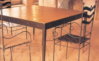 tavolo in ferro e cocciopesto ars vivendi