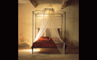 iron beds canopy king size