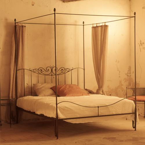 Baldacchino matrimoniale in ferro battuto ziro letti in ferro battuto caporali il ferro - Baldacchino letto ...